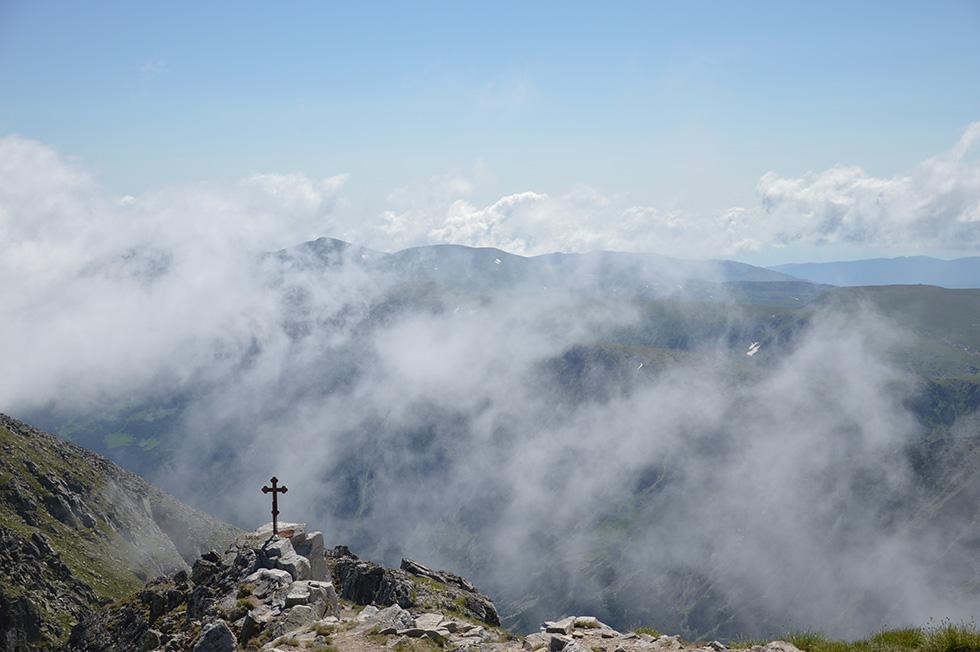 Поміж хмарами, вершина Мусали
