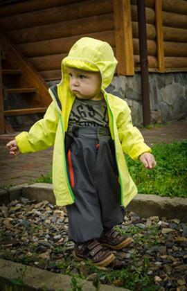 Трекінговий одяг дитини