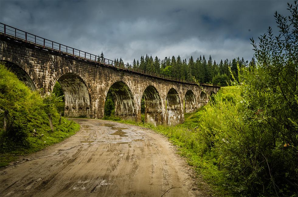 Віадук кам'яний міст у Ворохті